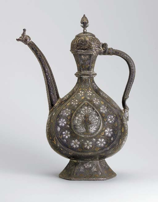 AN INDIAN BIDRI WARE EWER