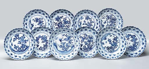 A SET OF TEN BLUE AND WHITE MO