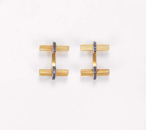 A PAIR OF SAPPHIRE CUFF LINKS,