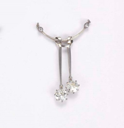 A DIAMOND LAVALLIERE