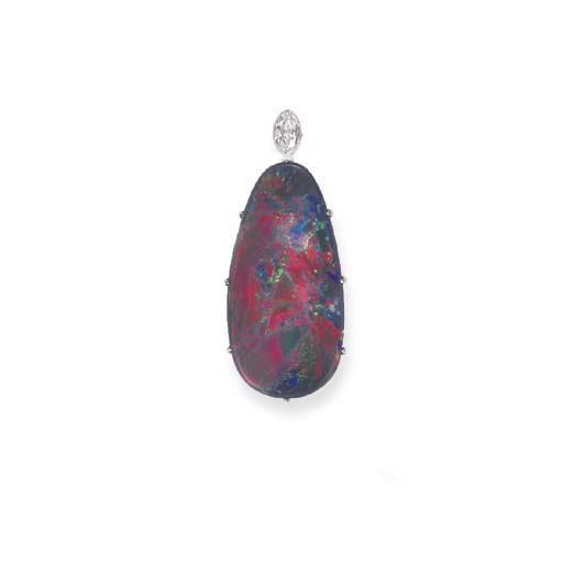 AN EXCEPTIONAL BLACK OPAL PEND