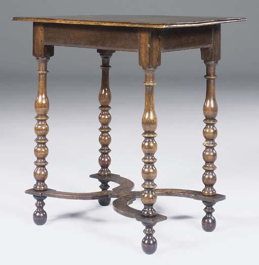 A WILLIAM AND MARY WALNUT TABL