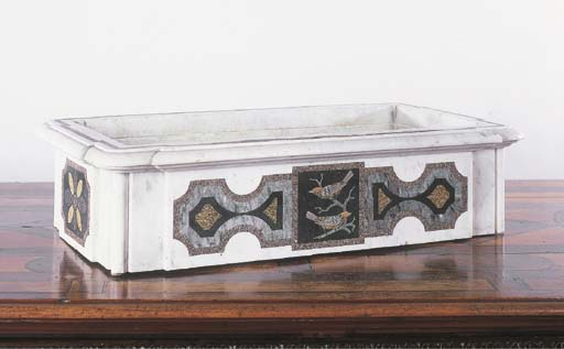 A WHITE MARBLE SPECIMEN AND SCAGLIOLA INLAID JARDINIERE