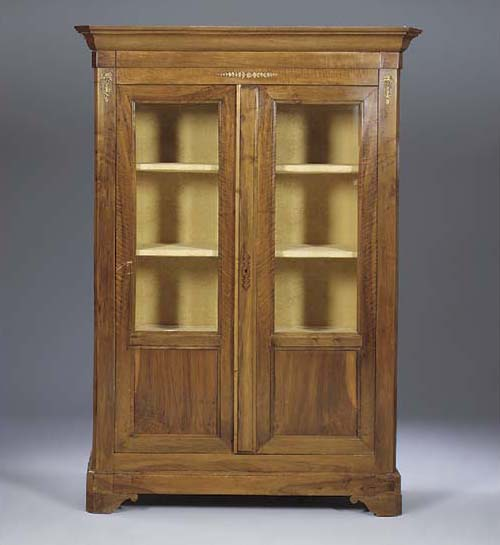 A FRENCH WALNUT BIBLIOTHEQUE,