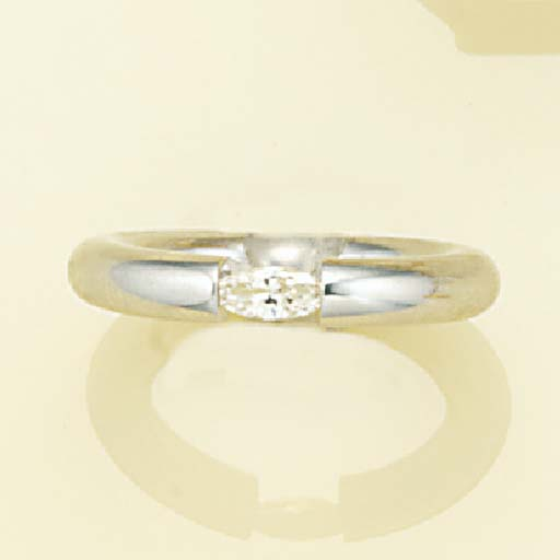 An 18ct. white gold, marquise-