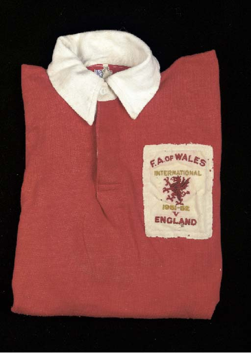 A red and white Wales Internat