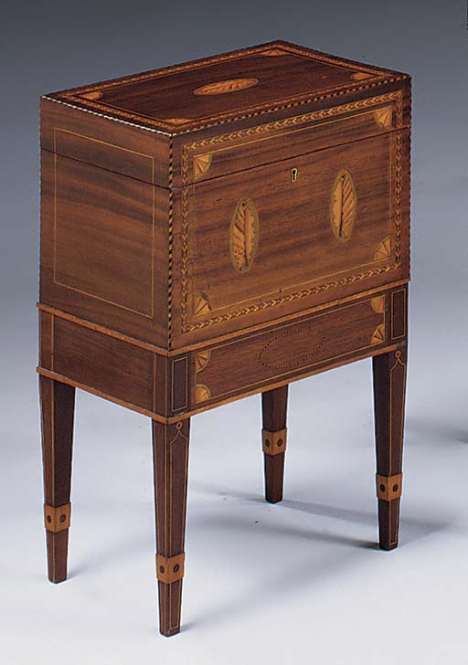 A MAHOGANY AND MARQUETRY CELLARETTE OR DECANTER BOX, 19TH CENTURY