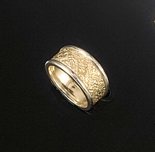 A Stephen Webster band ring,