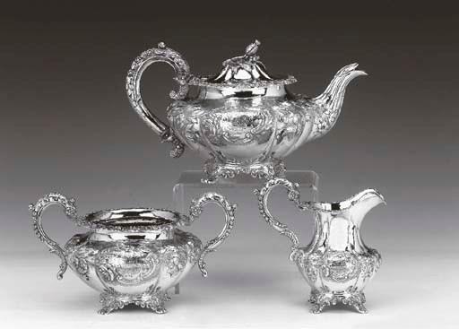A VICTORIAN THREE-PIECE TEA SE