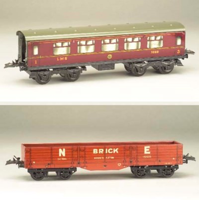 Hornby Series bogie and four-w
