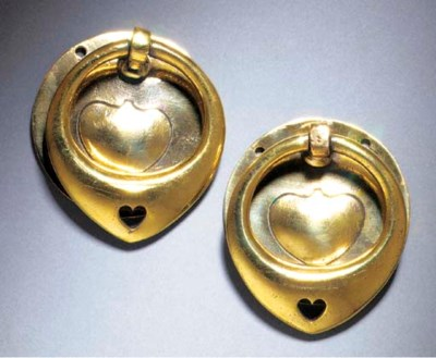 A PAIR OF BRASS DRAWER HANDLES