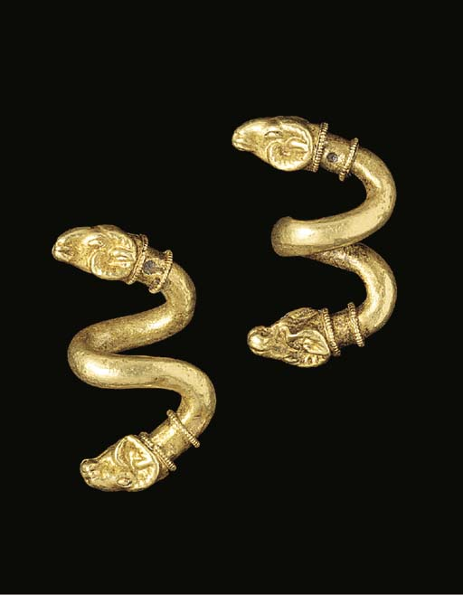 A PAIR OF GREEK GOLD SPIRAL EA