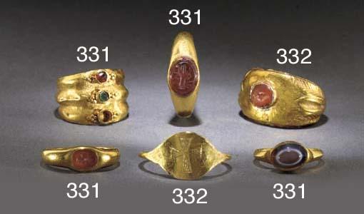 A ROMAN HOLLOW GOLD INTAGLIO R