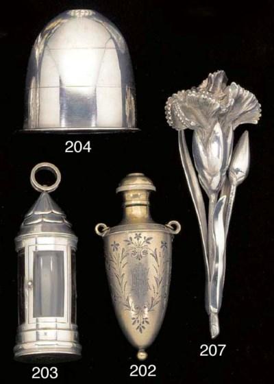 An unusual Victorian vinaigret
