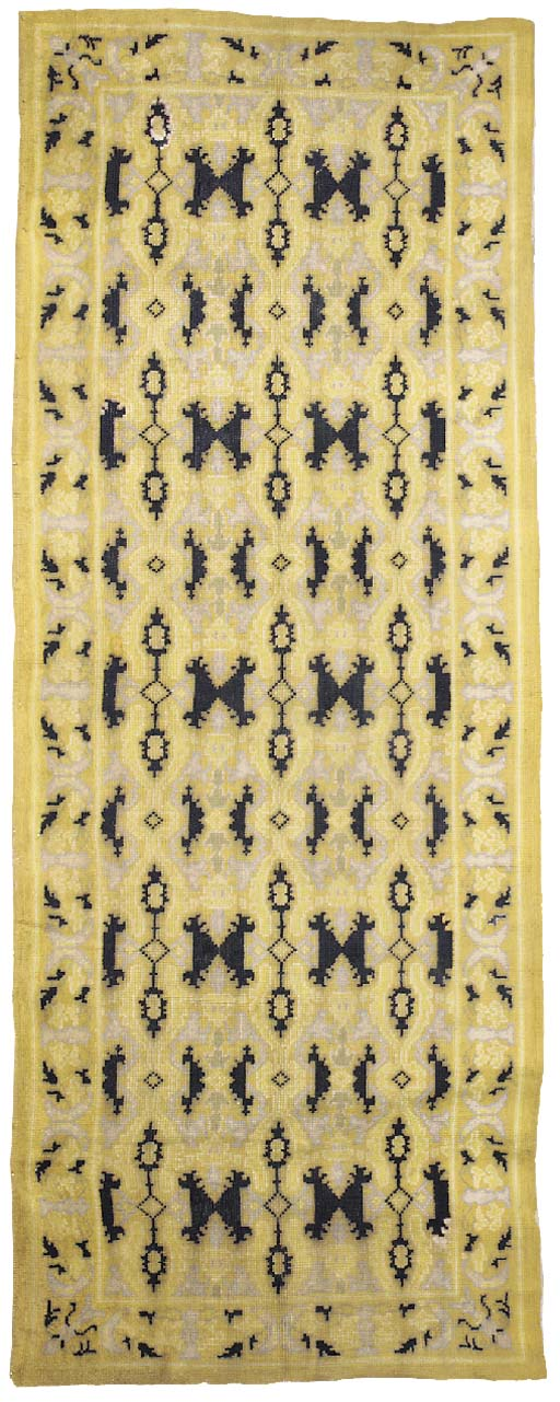 A Spanish carpet of Cuenca sty