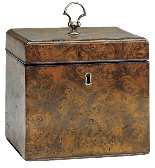A George III mulberry veneered