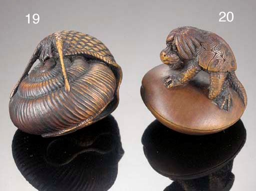 A wood netsuke of a snail 19th