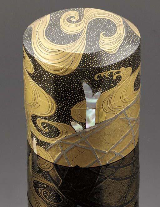 A lacquer tea container Edo Pe