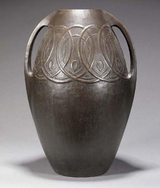 A bronze deco-style vase 20th
