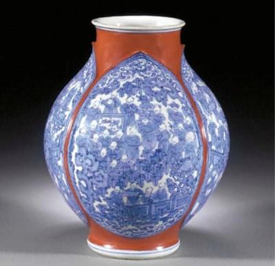 A Kozan globular vase Meiji Pe