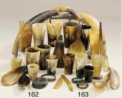 A collection of various horn l