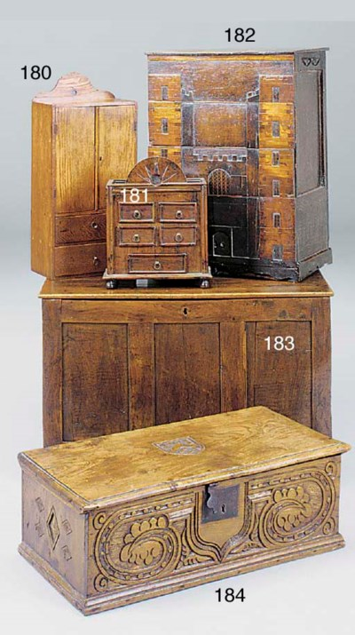 A SMALL OAK PANELLED CHEST, WE