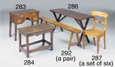 AN OAK CENTRE/SIDE TABLE, ENGL