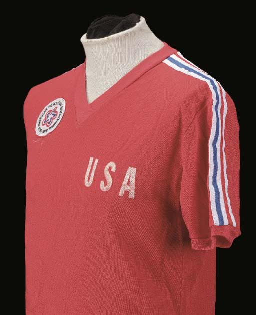 A red USA Bicentennial Interna