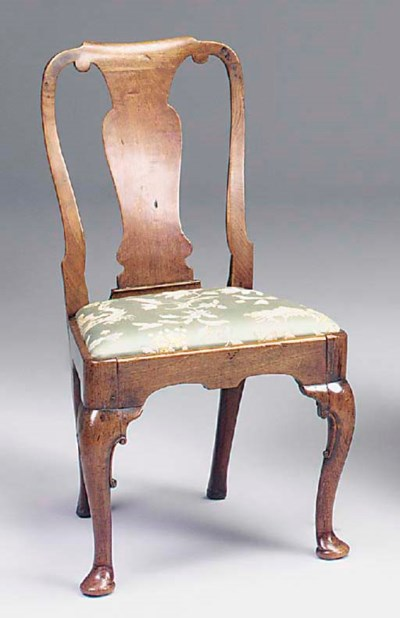 A GEORGE I WALNUT DINING CHAIR