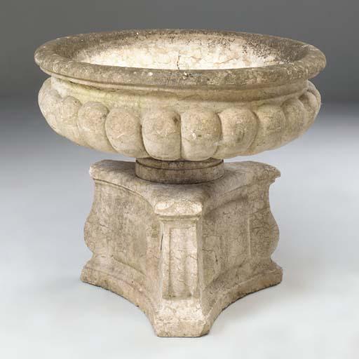 An Italian Verona marble basin