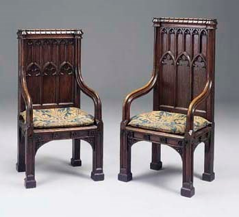 A COMPANION PAIR OF CARVED OAK