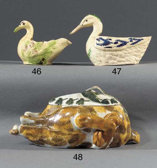 A pearlware tureen and a cover