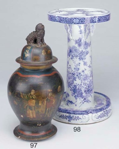 A Chinese blue and white glaze