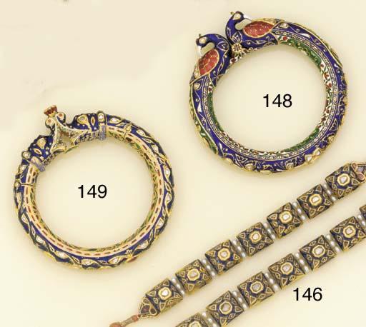 A pair of antique Indian lasqu