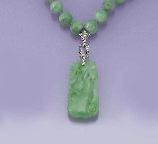 An Art Deco jadeite bead neckl