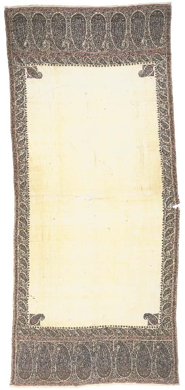 A long shawl of fine ivory pas