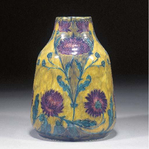 A Morrisware vase