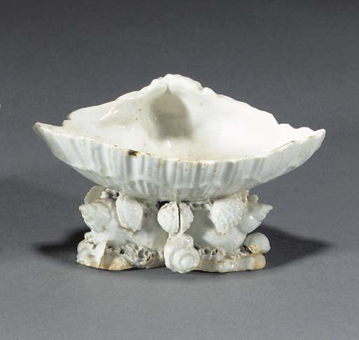 A Bow white shell salt