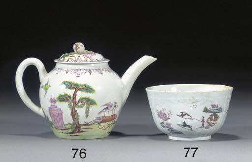 A Worcester baluster teapot an