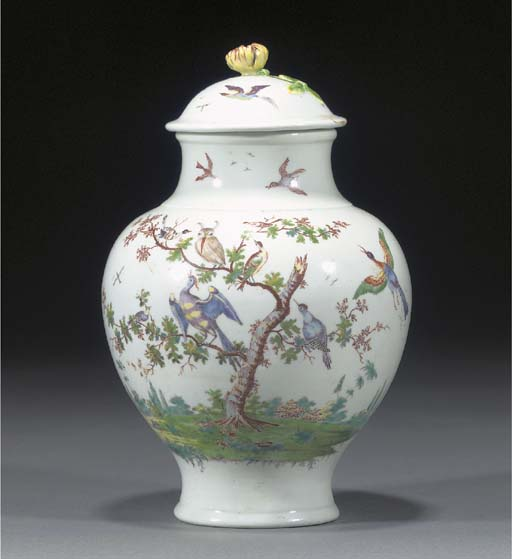 A Worcester baluster vase and