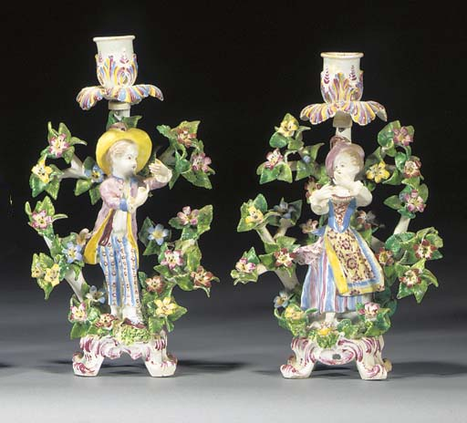 A pair of Bow 'New Dancers' ca