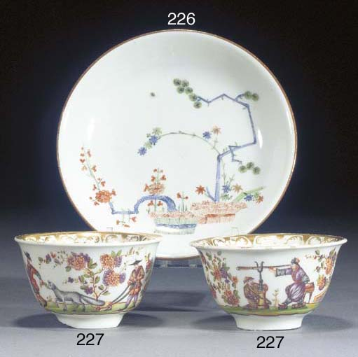 Two Meissen hausmalerei teabow
