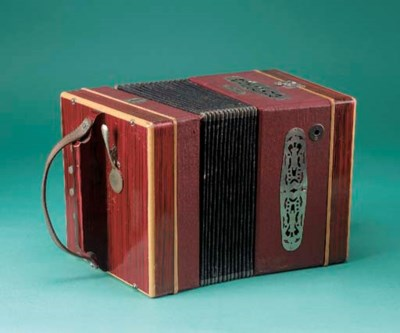 A Tanzbär concertina