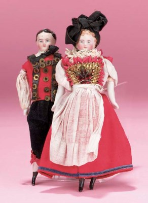 A pair of dolls in Alsace trad
