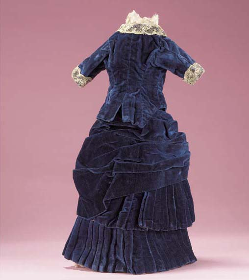 A purple silk velvet fashionab