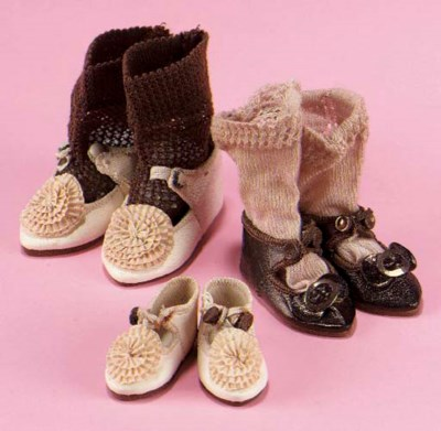 A pair of Bru dolls shoes