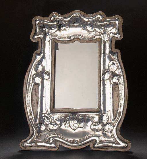 A SILVER PICTURE FRAME 1906
