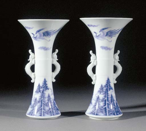 A pair of Hirado blue and whit