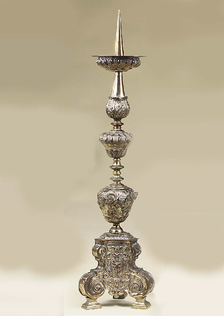 A near pair of Flemish silvere