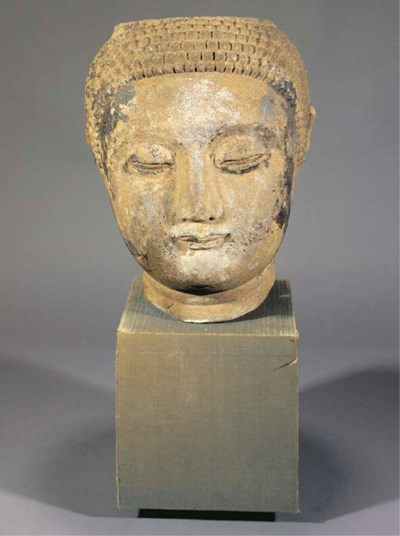 A large stone Buddha head 16/1